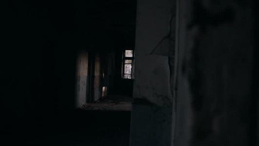 Yaşanmış Korku Olayı - Penceredeki Adamın Yansıması
