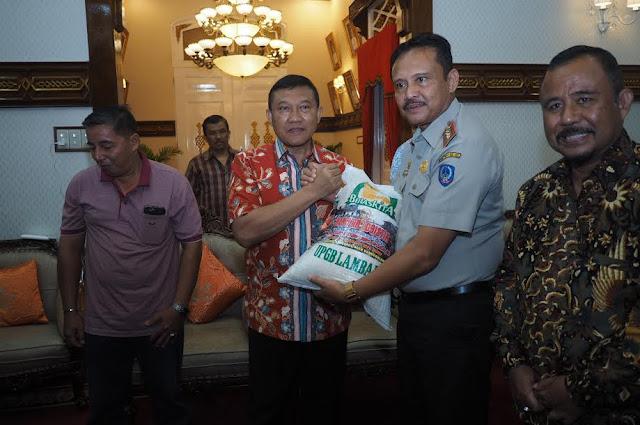 Sulawesi Selatan Bantu 10 Ton Beras untuk Gempa Pidie Jaya