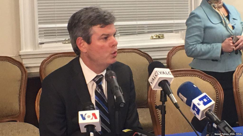 Kevin Sullivan fue hasta ahora embajador Alterno de EEUU en la OEA / VOA