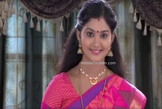 Actress Vindhuja Vikraman as Amrita in Chandanamazha Serial