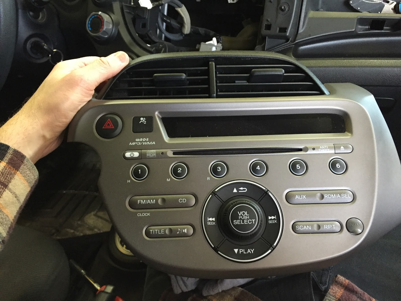 Honda stock radio