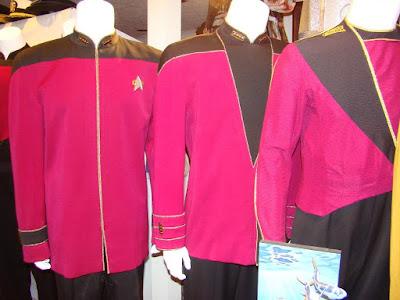 TNG season 1 admiral uniform - front darts