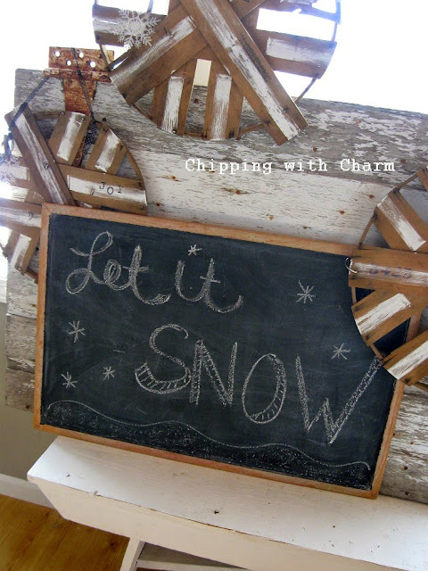 Chipping with Charm: Basket Lid Snowflakes...http://www.chippingwithcharm.blogspot.com/