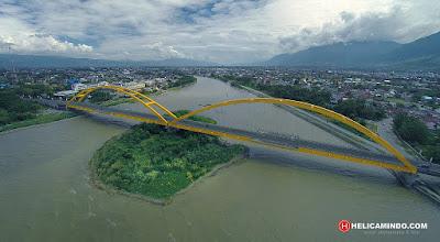 Foto Udara Jembatan Kuning di Palu
