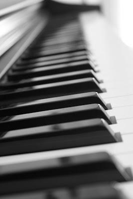 Forrest Gump de Alan Silvestri Partitura de Piano Fácil Suite Forrest Gump Piano Easy Sheet Music. Partitura de Banda Sonora para piano e instrumentos melódicos, flautas, saxos, violín, trompeta...