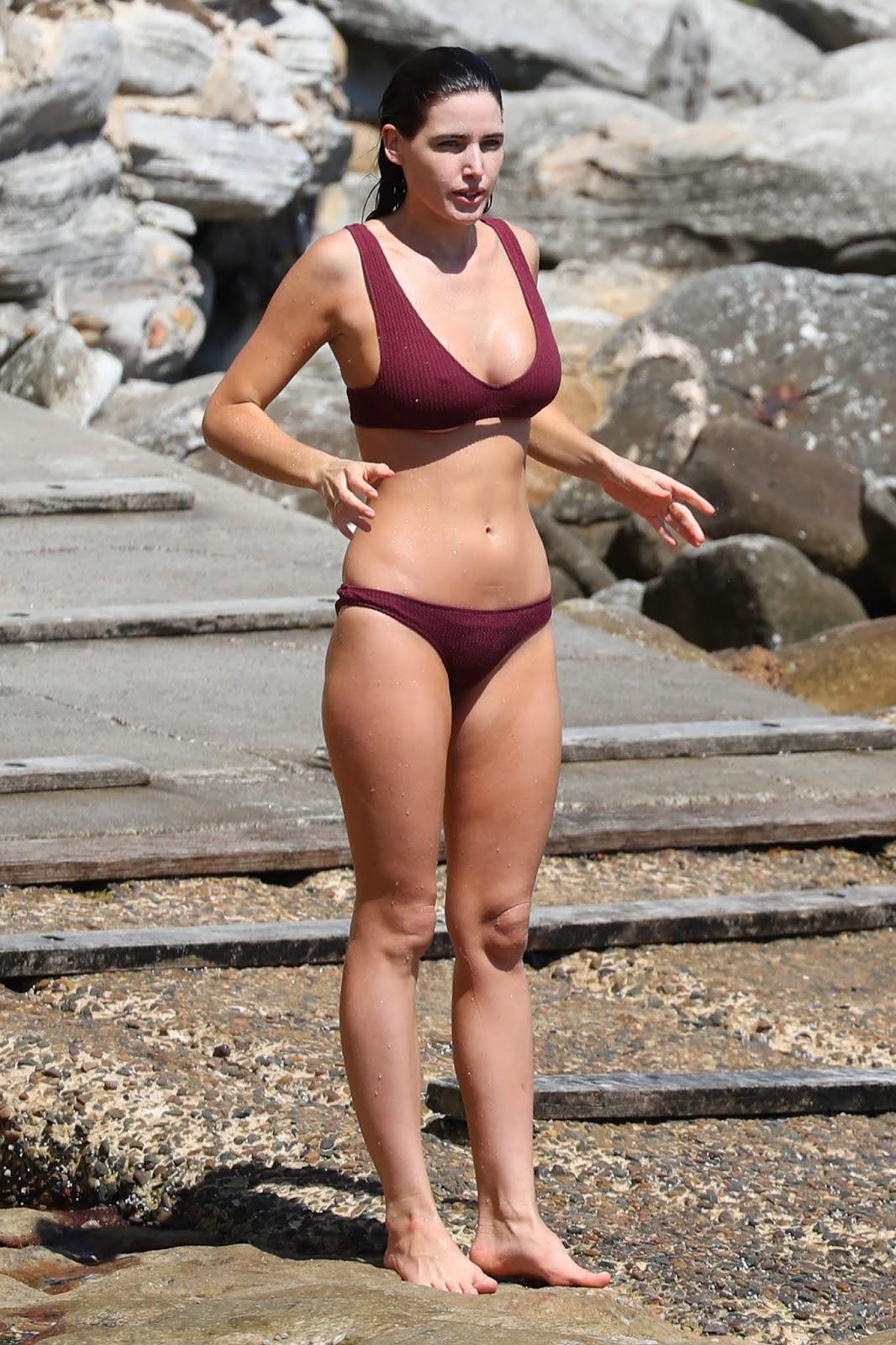 Tahnee Atkinson pictured going for a swim in Bondi - 03/04/2019