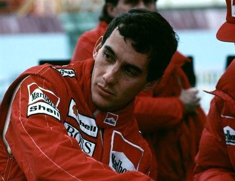 Capacete de Ayrton Senna é leiloado com valor estimado em 645 mil reais