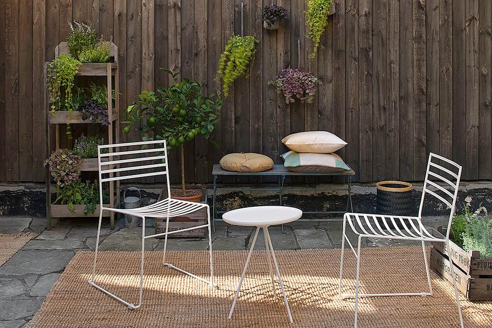 d couvrir l 39 endroit du d cor minimalisme confortable. Black Bedroom Furniture Sets. Home Design Ideas