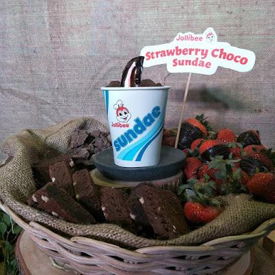 All -new Jollibee Strawberry Choco Sundae