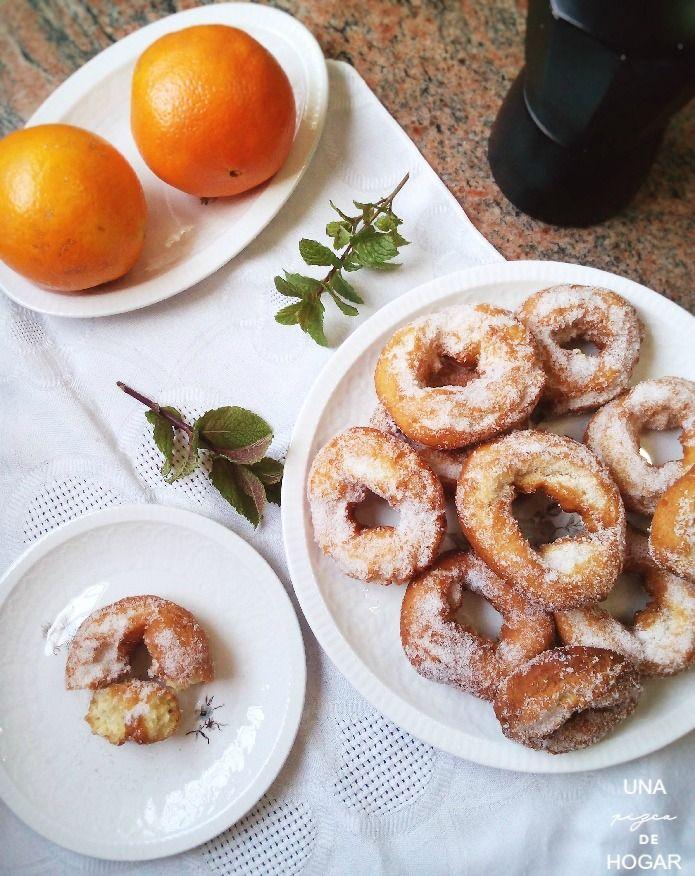 merienda tradicional de Semana Santa con roscos fritos, fruta y café