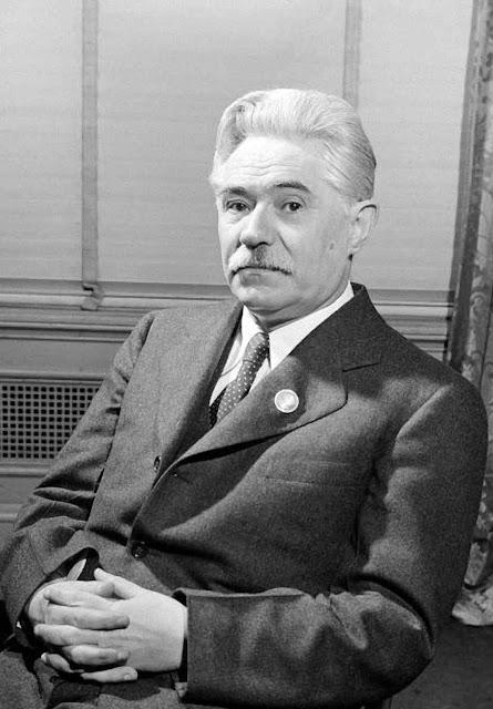 Dmitri Manuilski, chefe da delegação ucraniana na conferência de San Francisco, 1945, que preparou a Carta das Nações Unidas e o Estatuto da Corte Internacional de Justiça.