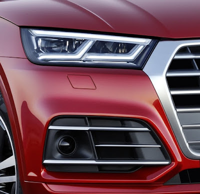 2017 Audi Q5 Luxury SUV Headlight Picture