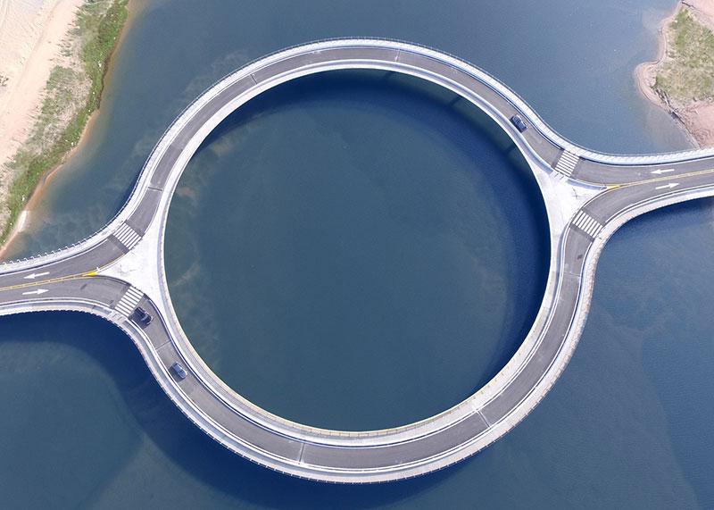 13f147184a6 A Circular Bridge in Uruguay by Rafael Viñoly Architects