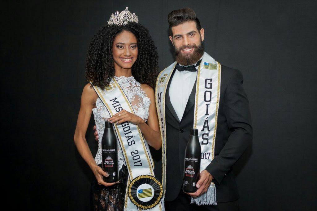 A Miss e o Mister Goiás 2017 apresentam a linha de produtos Miss e Mister Brasil. Foto: André Luz