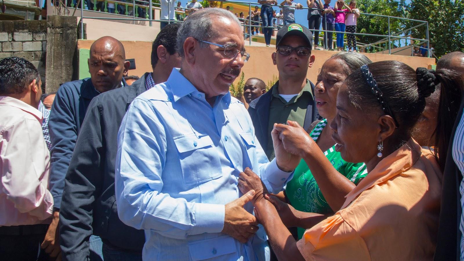 """VIDEO: Danilo Medina: """"Cualquier cosa que haga por productores de Manuel Bueno, vale la pena"""""""