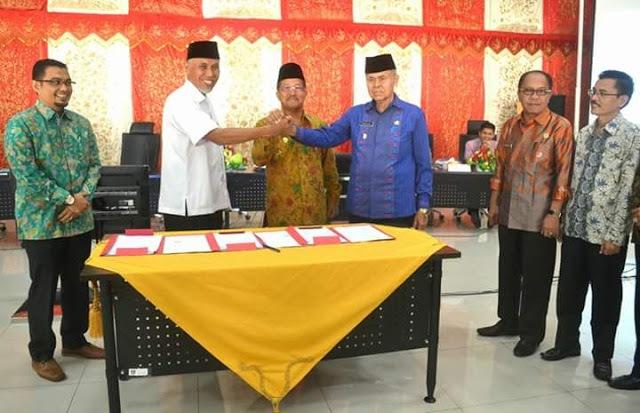 Kota Padang Tercepat Tandatangani NPHD Pilkada 2018