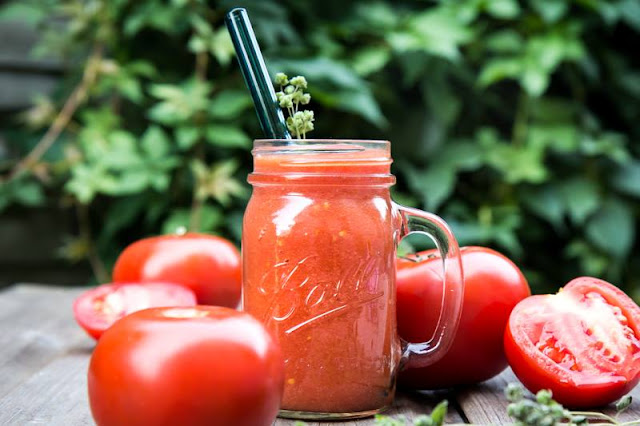 http://zielonekoktajle.blogspot.com/2016/05/pomidory-oliwa-z-oliwek-zioa.html