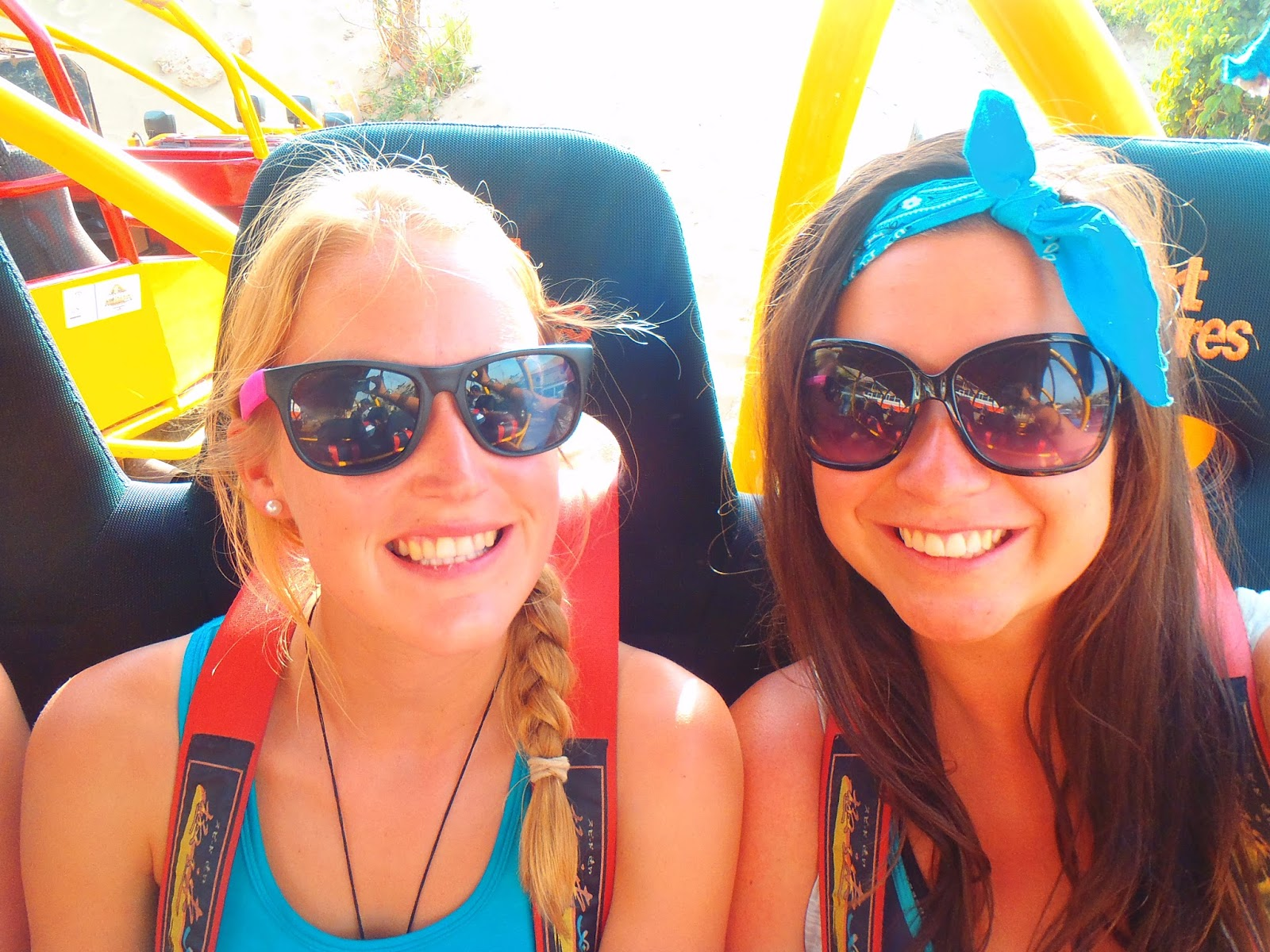 Simone and Nina in Dune Buggy Peru