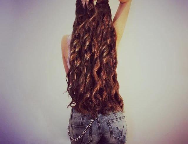كيفية تطويل الشعر بالزيوت الطبيعية