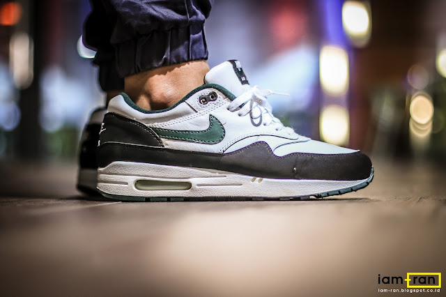 iam ran on feet leo nike air max 1 forest green. Black Bedroom Furniture Sets. Home Design Ideas