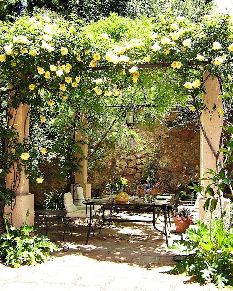 "image via my castle in spain - collected by linenandlavender.net for ""Alfresco-Outdoor Living"" -  http://www.linenandlavender.net/2014/04/inspiration-file-outdoor-living.html"