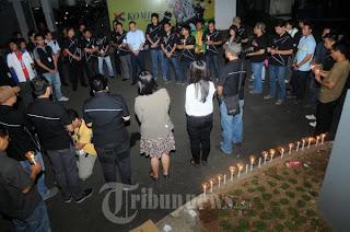 Karyawan KKG Doa Bersama Untuk Didik Nur Yusuf Juru Foto Majalah