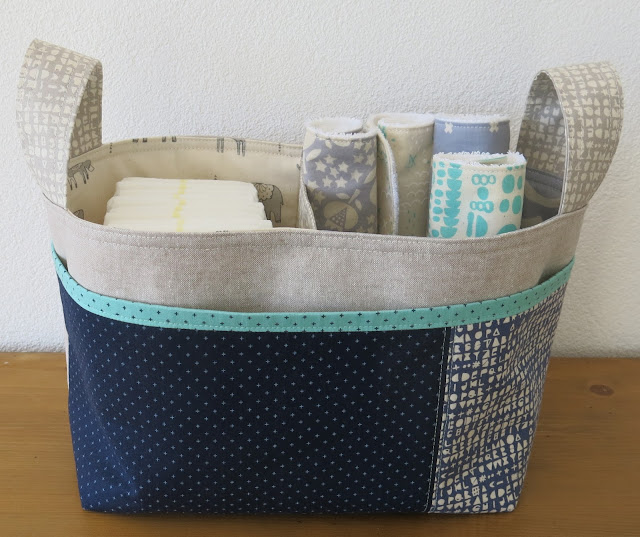Luna Lovequilts - Divided Basket pattern by Noodlehead - Cotton and Steel fabrics