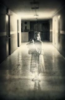 Cara Memanggil Hantu, mitos memanggil hantu,cara melihat hantu