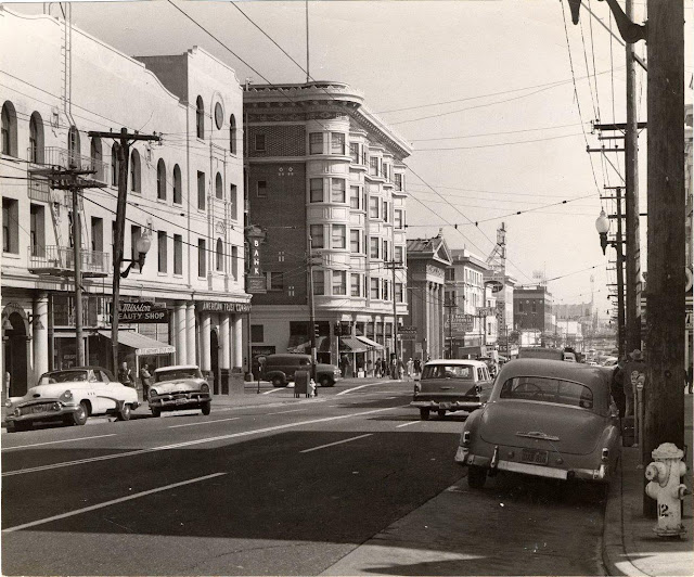 Valencia Street at 16th Street, Mission District, 1958. Courtesy of San Francisco History Center, San Francisco Public Library.