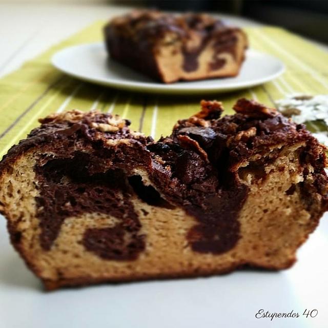 bizcocho-marmolado-de-proteina-de-vainilla-y-chocolate