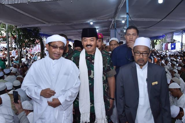 Dihadapan 70.000 Santri Jatim, Panglima TNI Ajak Jaga Persatuan dan Kesatuan Bangsa