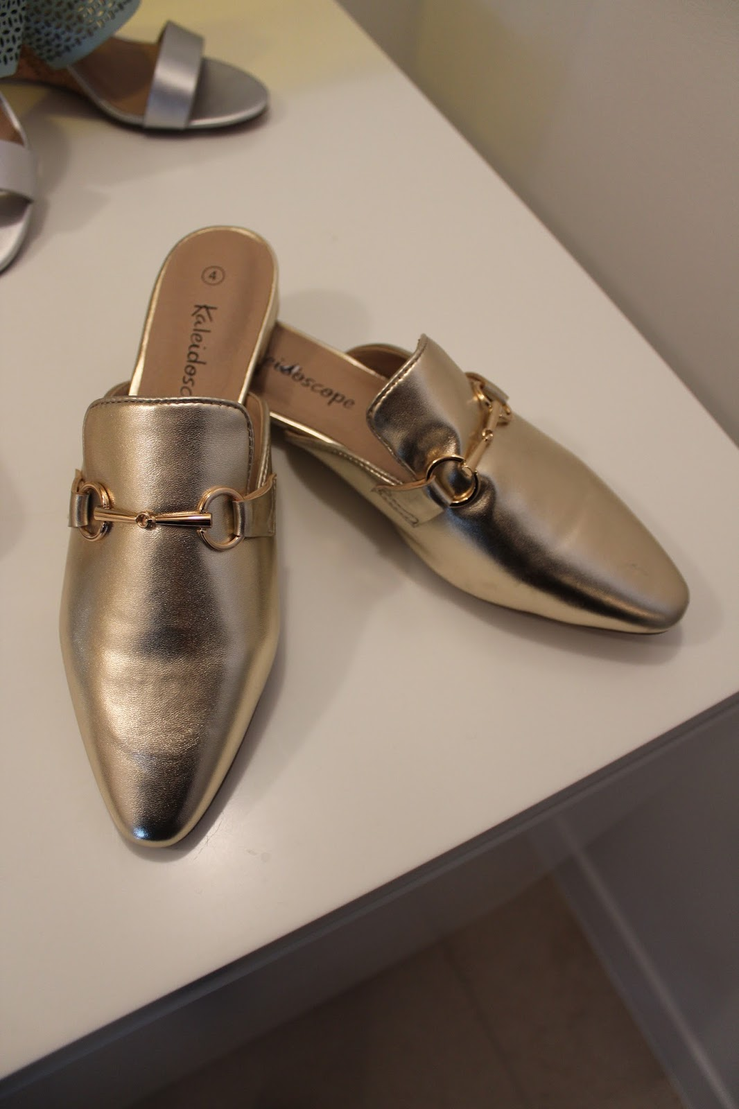 786772e4910 ... because they are a relaxed version of the loafer