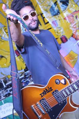 O vocalista Sandro deu o nome Indaíz à banda depois de se inspirar em um texto de  Nelson Mandela. Foto: acervo Sandro Indaíz