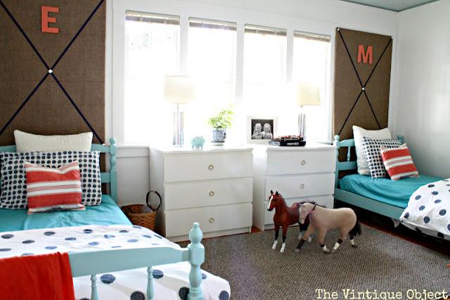 ein geschwister kinderzimmer christine oertel interior design. Black Bedroom Furniture Sets. Home Design Ideas