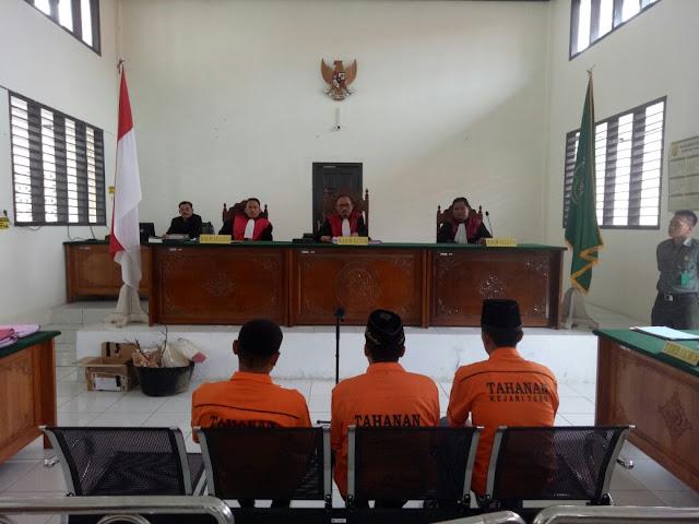 Terdakwa Pembakar Rumah Komisioner KPU Dibayar Rp 15 Juta