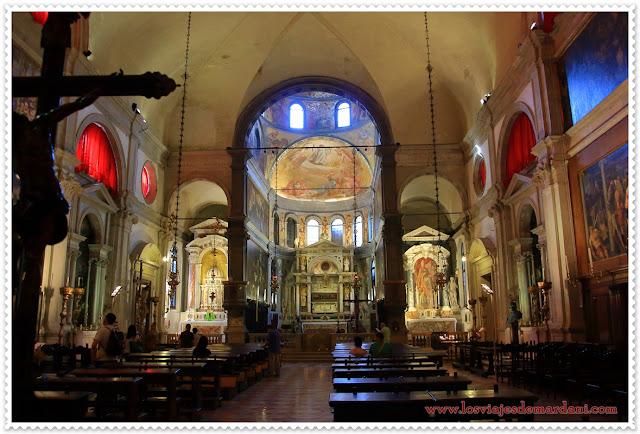 Interior de la Iglesia de San Roco