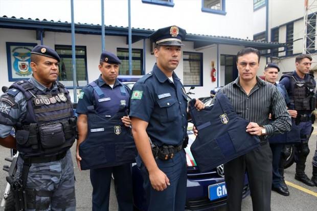 Guarda Municipal de Curitiba (PR) recebe 500 novos coletes à prova de balas