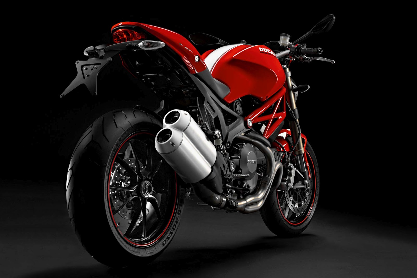 2012 ducati monster 1100 evo review motorcycle news. Black Bedroom Furniture Sets. Home Design Ideas