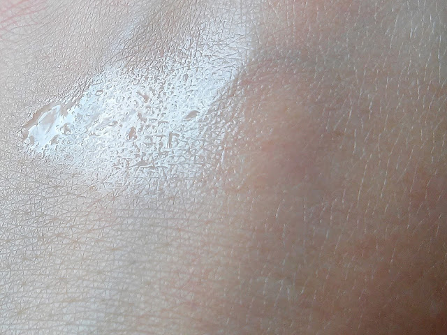 New ANNA Cosmetics - Nafta kosmetyczna z aloesem, konsystencja