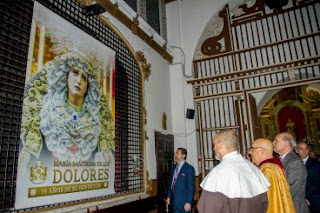 Presentada y bendecida la lona conmemorativa del 75º aniversario de María Santísima de los Dolores de Cádiz