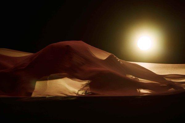 """Rihanna publica adelanto del video de """"Kiss It Better"""""""