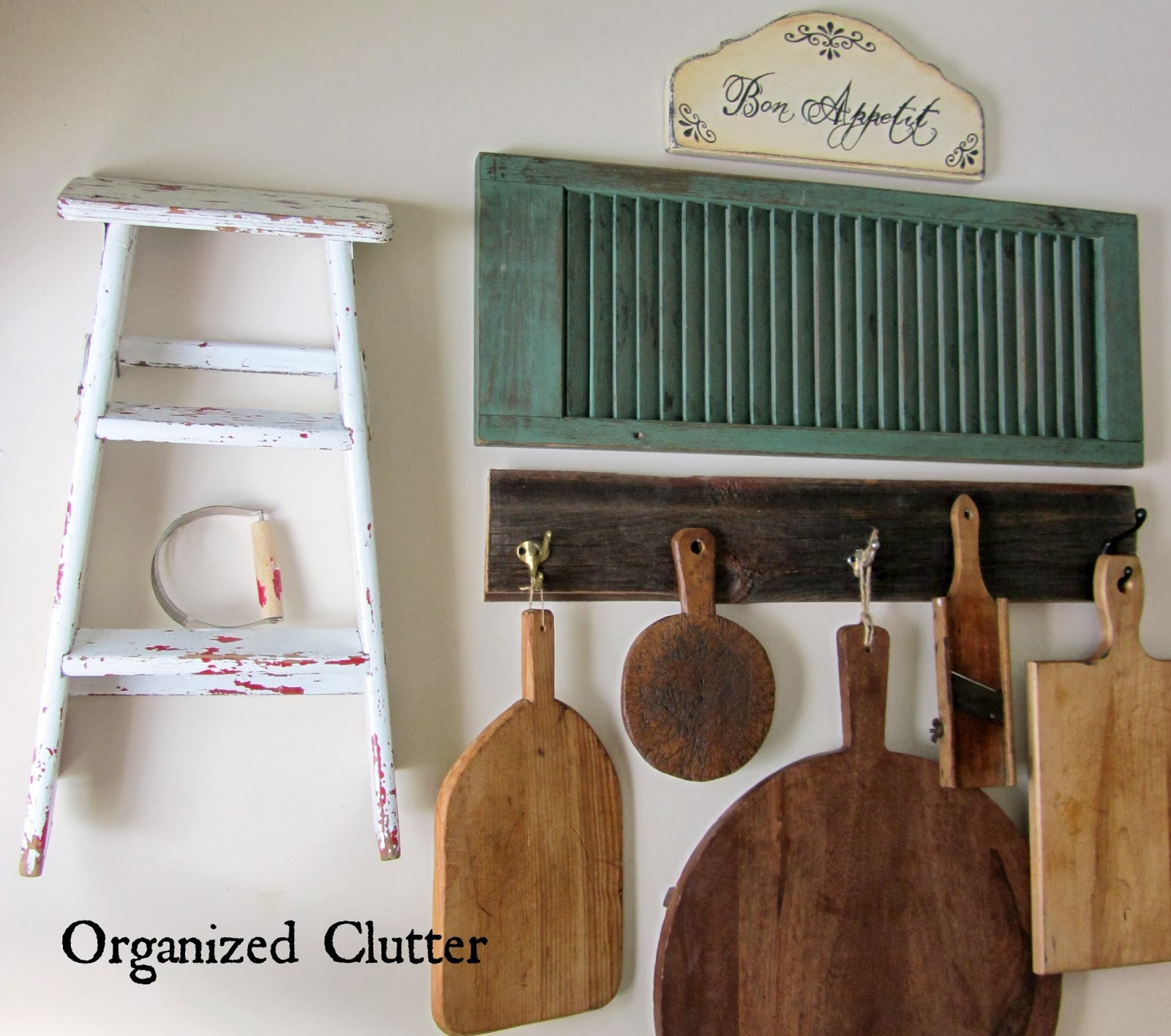 Farmhouse Kitchen Decor www.organizedclutterqueen.blogspot.com