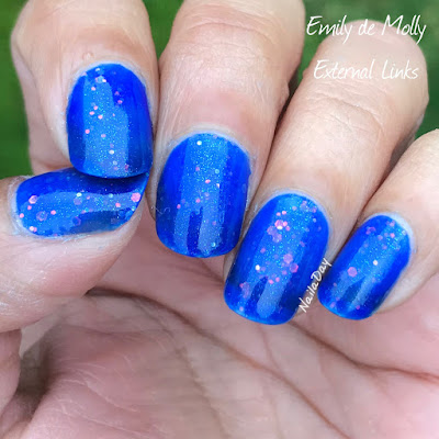 NailaDay: Emily de Molly External Links