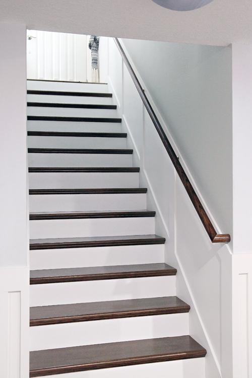IHeart Organizing: Do it Yourself: Stairway Handrail ...