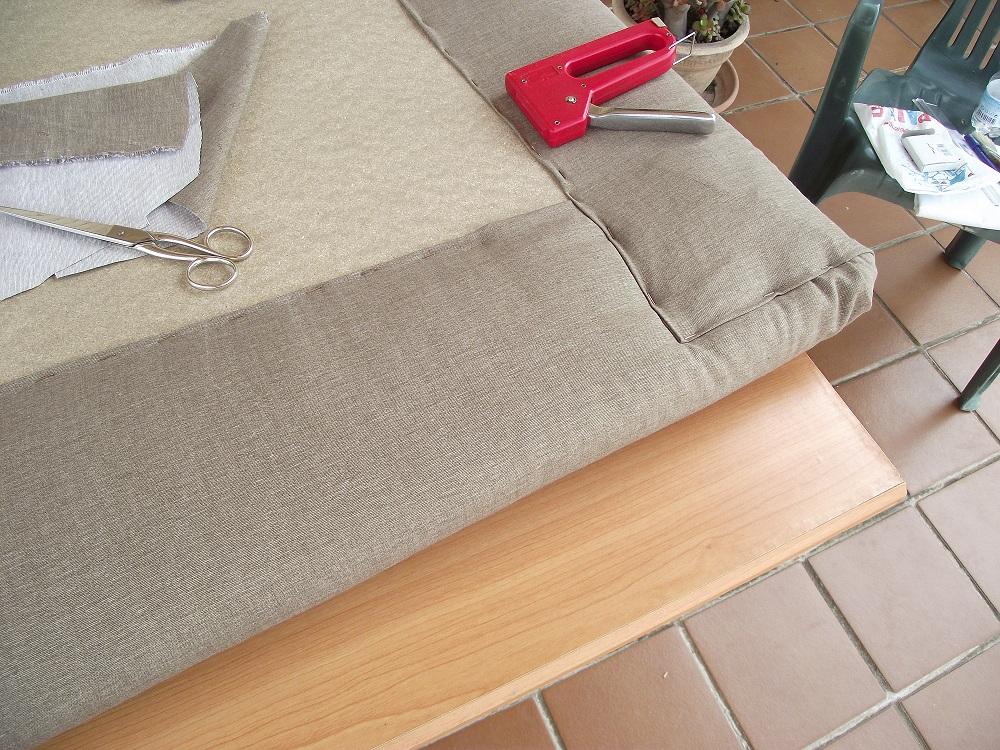 Trastos en el doblao renovando el dormitorio i - Como hacer cabecero tapizado ...