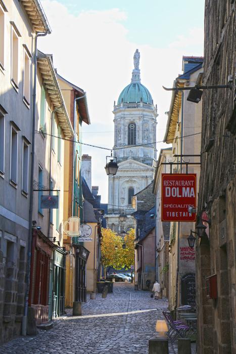 Rennes Altstadt mit Kirche