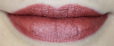 Avon mark. Liquid Lip Lacquer Matte Shimmer Shades in Mystique