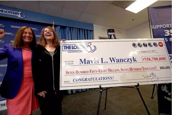 Mujer gana 758 mdd en la lotería y de inmediato deja su empleo -