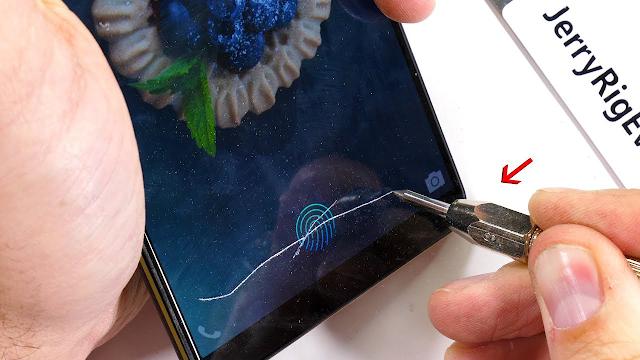 Vivo X20 Plus UD, telefonul cu scanner pentru amprente sub ecran, este torturat de JerryRigEverything