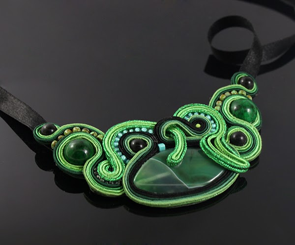 agate green beautiful soutache necklace, jasper, howlit